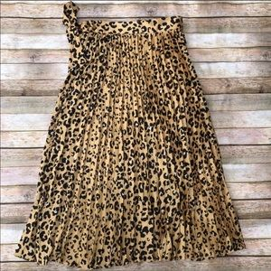 H&M Skirts - H&M leopard pleated wrap skirt SZ 8